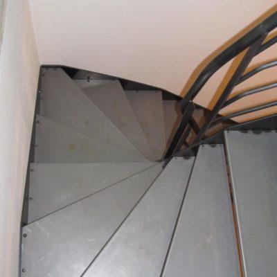 Escalier acier brut - St Mamet (15)
