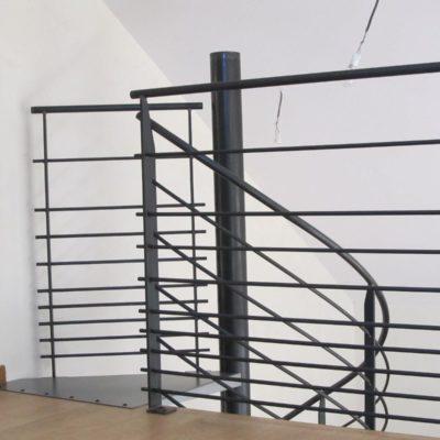 Escalier hélicoïdal & gardes-corps